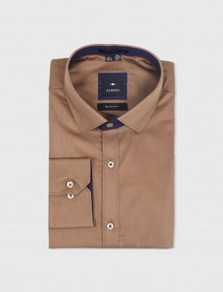 Albino brown simple shirt