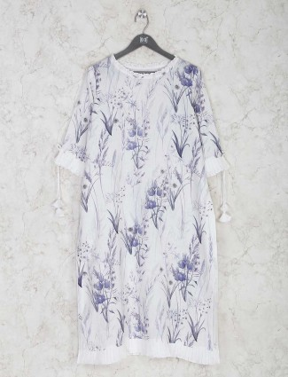 Beautiful White cotton printed kurti for casual look