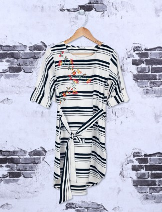 Black and white stripe casual top