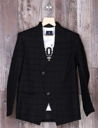 Black checks blazer for party function