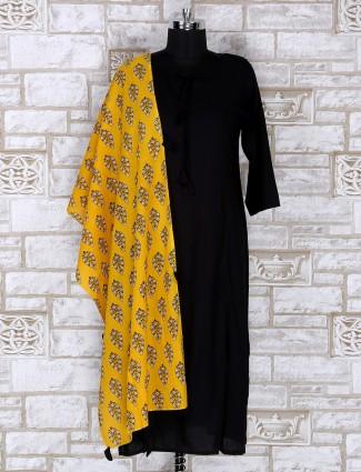 Black color plain palazzo suit