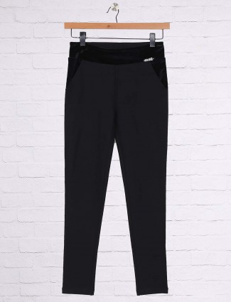 Black cotton solid casual jeggings