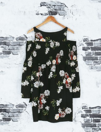 Black floral printed top
