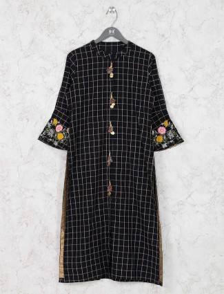 Black hue cotton kurti in checks