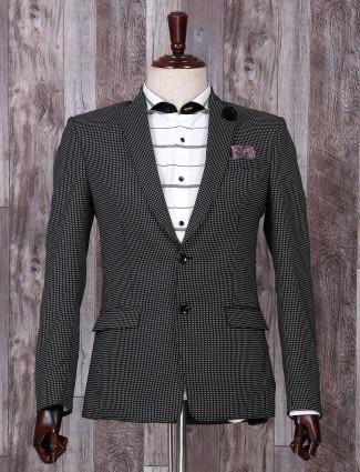 Black hue white prinetd party blazer