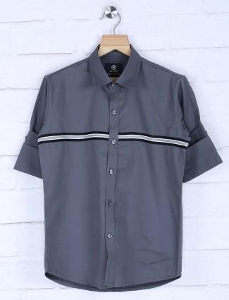 Blazo solid grey colored boys shirt