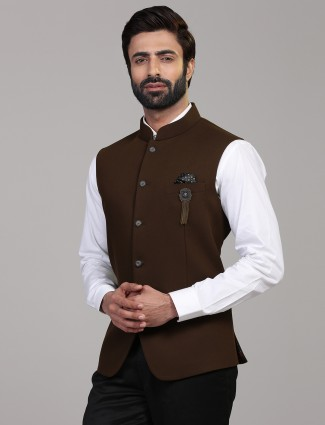 Brown knitted solid stand collar waistcoat