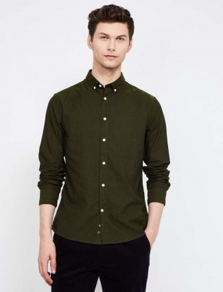 Celio olive solid full buttoned placket shirt