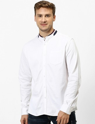 Celio solid white chinese collar shirt