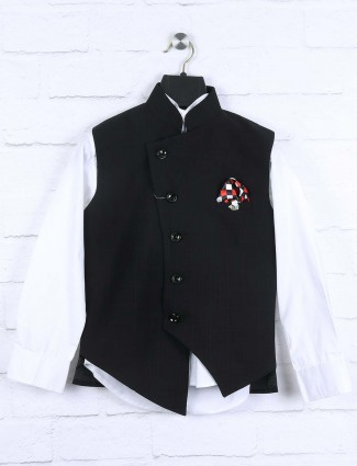 Checks black colored waistcoat set