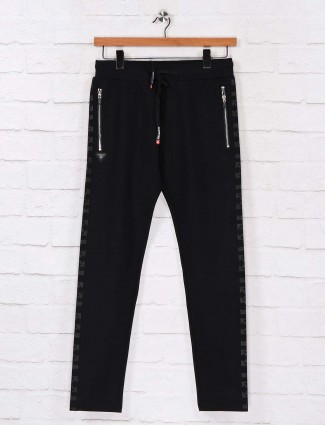 Chopstick black night solid track pant