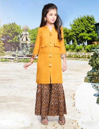 Cotton palazzo suit in mustard yellow