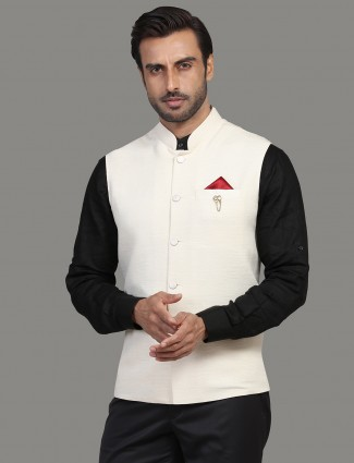 Cotton silk solid cream waistcoat