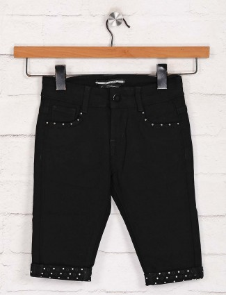 Deal black denim solid capri