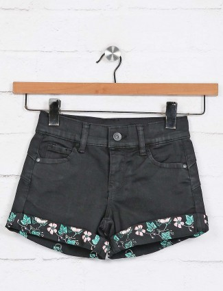 Deal black solid denim shorts