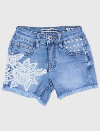 Deal denim casual girls short in blue color