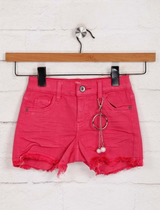 Deal magenta denim solid shorts