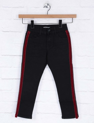 Deal solid black color casual wear slim fit jeans