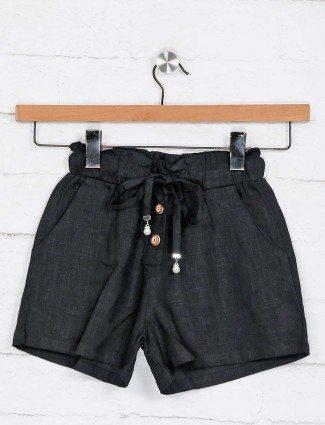 Deal solid black cotton shorts