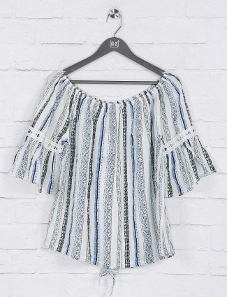 Deal white hue round neck casual top
