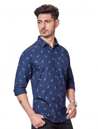 Dragon Hill light navy printed shirt