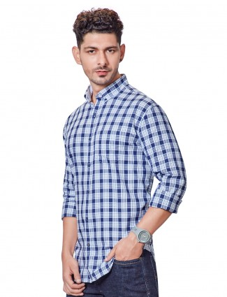 Dragon Hill white and blue checks slim collar shirt