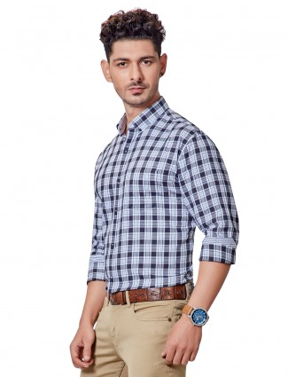 Dragon Hill white and navy checks full sleeves shirt