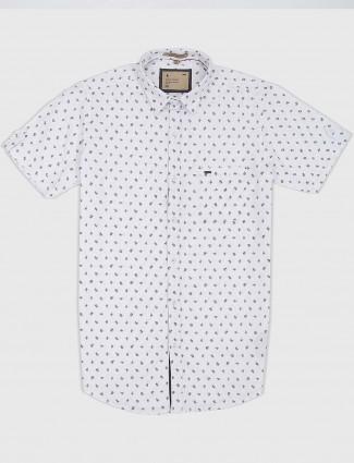 EQIQ printed white hued mens shirt