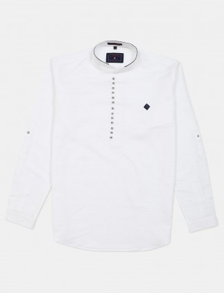 Eqiq solid white slim fit cotton shirt