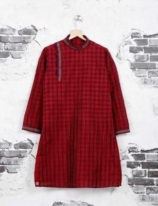 Fesetive wear maroon kurta suit