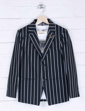 Full sleeves stripe black hue blazer