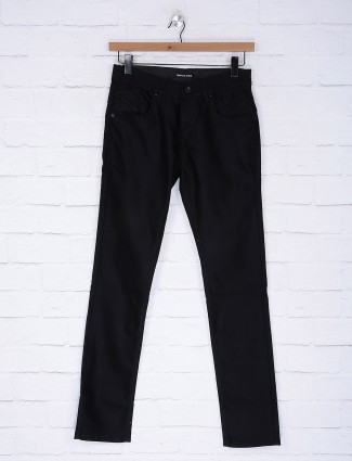Gesture solid black colored jeans