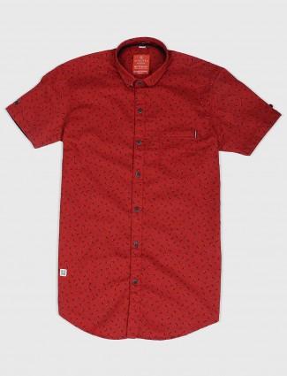 Gianti printed red hued slim fit shirt