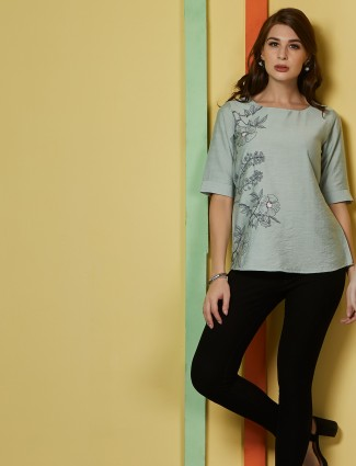 Green flower printed cotton top
