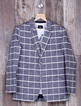 Grey checks pattern blazer