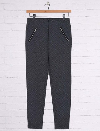 Grey color casual jeggings in cotton