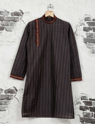 Grey color checks pattern kurta suit