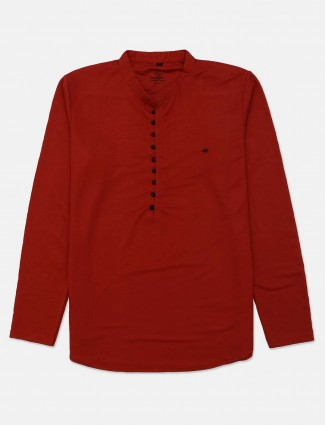 Instinto half buttoned placket maroon solid t-shirt