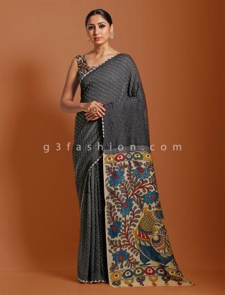 Kalamkari saree in dark grey bandhej