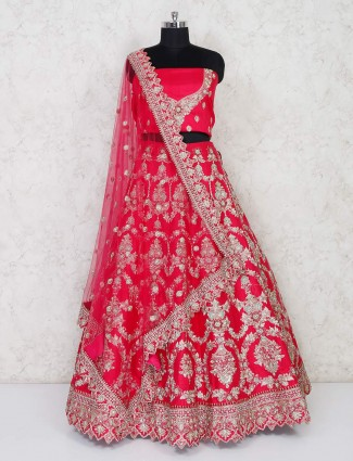Latest magenta lehenga choli for wedding bride