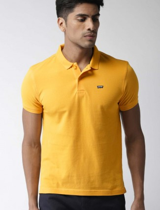 Levis bright yellow solid t-shirt