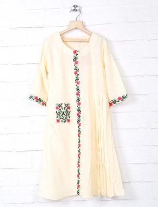Light yellow kurti in cotton