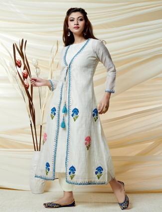 Lovely white quarter sleeves kurti
