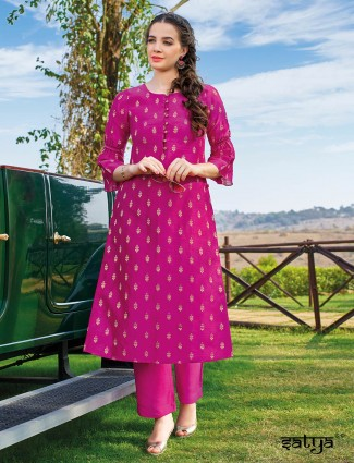 Magenta kurti set in cotton round neck