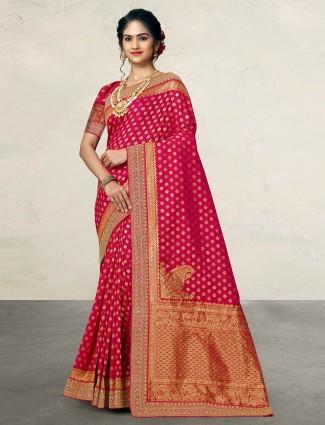 Magenta saree for pretty womens in silk