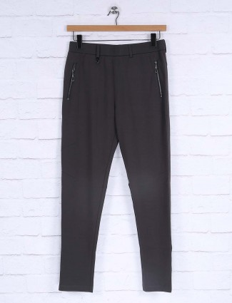 Maml solid pattern dark grey track pant
