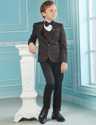 Maroon color texture tuxedo suit in three piece