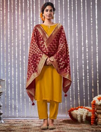 Mustard yellow keyhole neck kurta with dupatta in cotton
