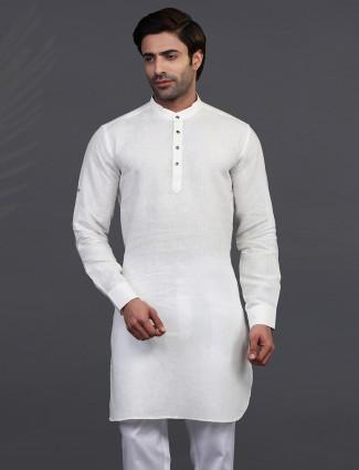 Off White full sleeves kurta in linen