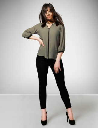 Olive hue top in crepe